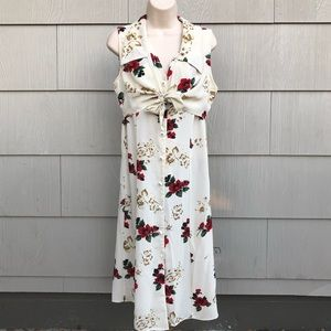 Dresses & Skirts - Vintage floral 90s button down collared wrap dress